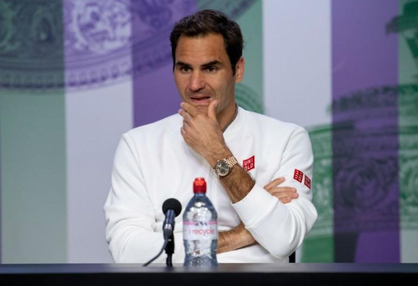 Federer na konferenciji: Boli...!