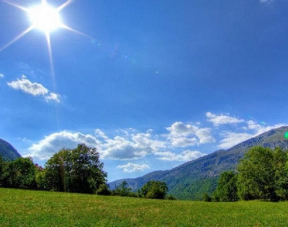 Sutra sunčano i malo oblačno