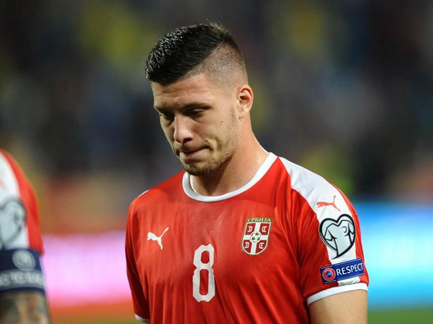 Javio se Lukin otac: Igrao je i povrijeđen, patriota je, voli Srbiju!