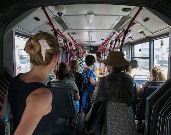 Maloljetnik oteo gradski autobus i provozao ga