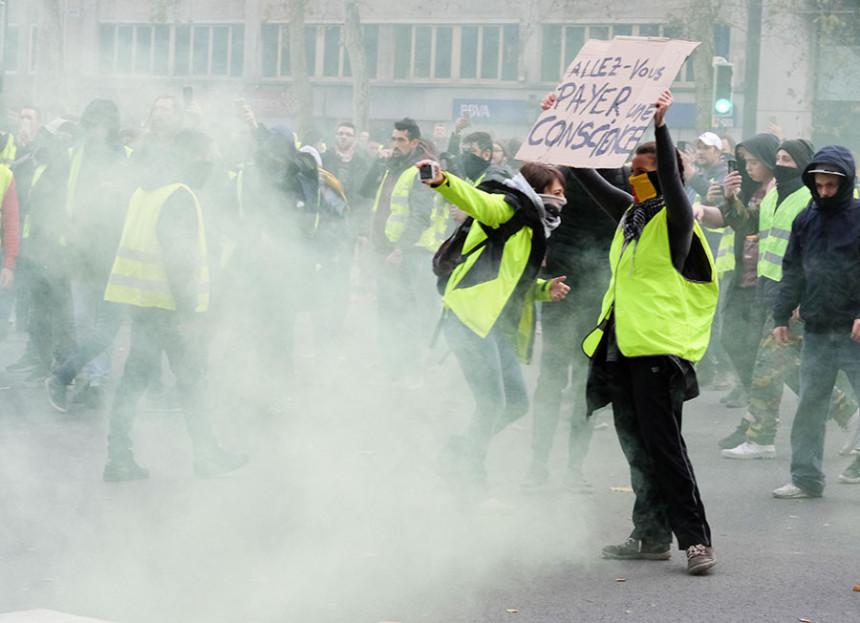 Haos u Francuskoj, privedeno 85 lica