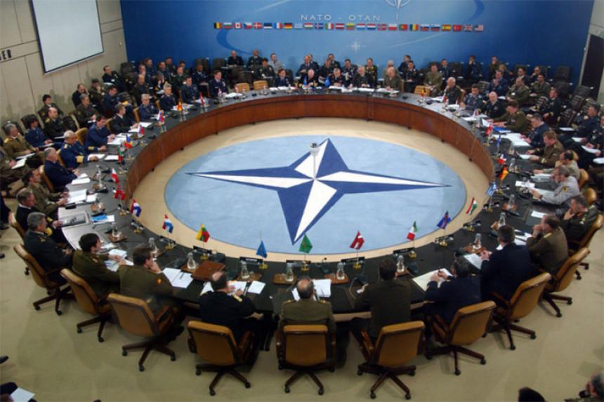 NATO osuđuje: Budite uzdržani
