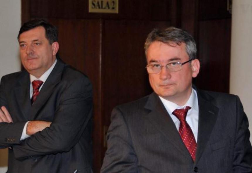 Dodik će ostaviti Ruse zbog SAD-a