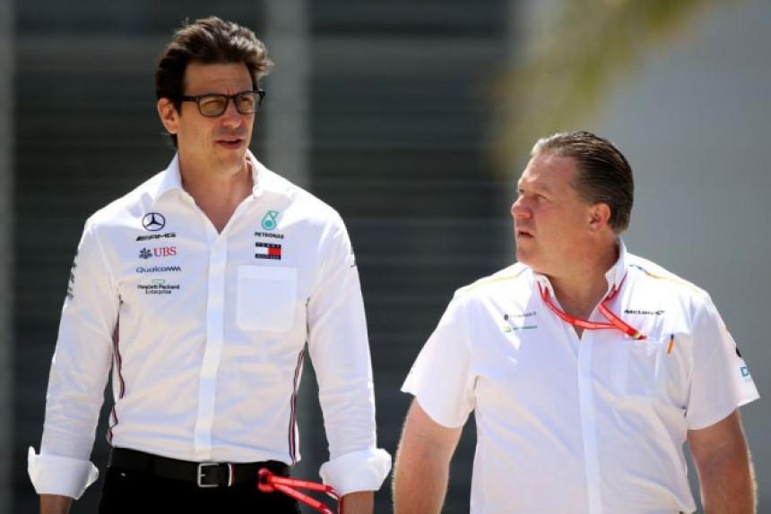 F1: Prvi čovjek Mercedesa upozorio Ferari!