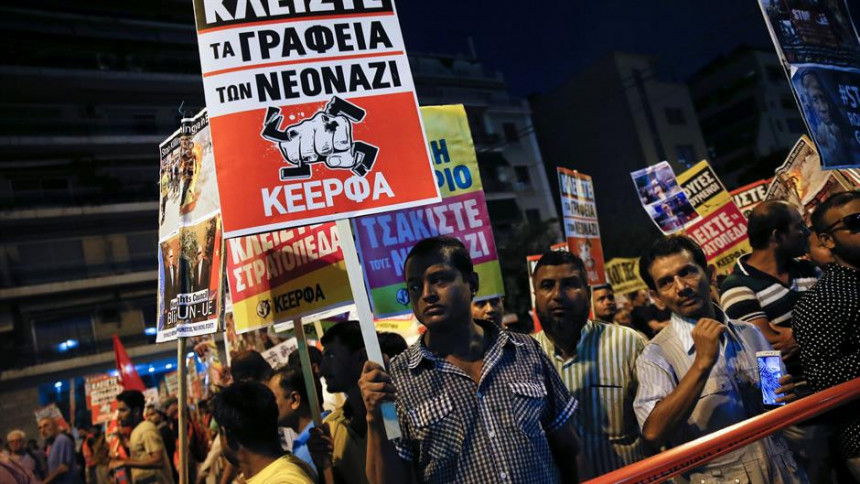 Atina: Suzavcem na demonstrante