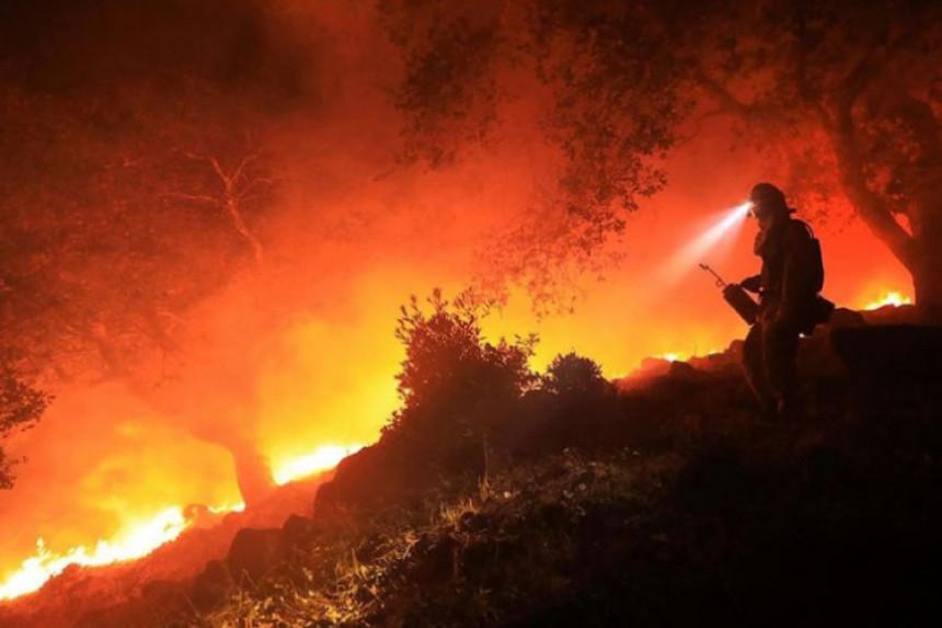Kalifornija: Požari odnijeli 40 života