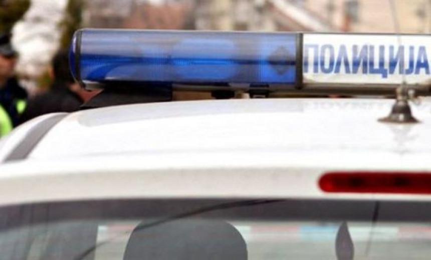 Kragujevac: Muž mrtav u kući, žena oblivena krvlju u dvorištu