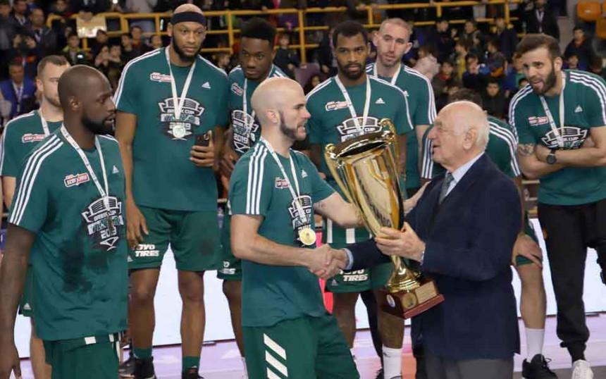Panatinaikos se oznojio, ali osvojio 19. kup!