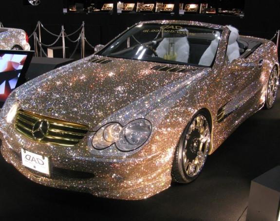 """Mercedes"" prekriven ""Svarovski"" kristalima"