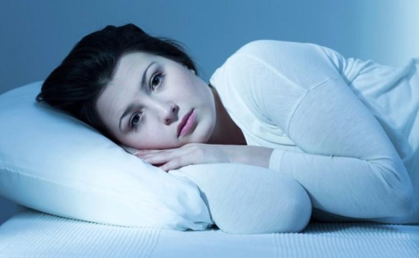 Žene teže tonu u san