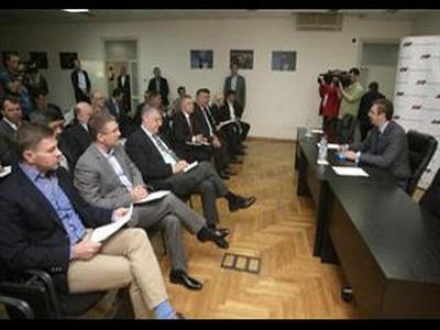 Vučić ovlašten da razgovara o mjerama štednje