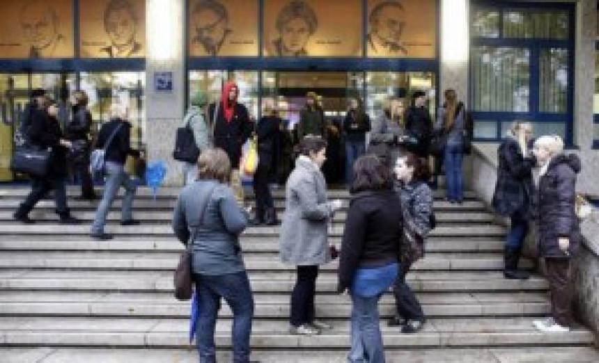 Ljubljana: Sukob demonstranata i policije ispred parlamenta