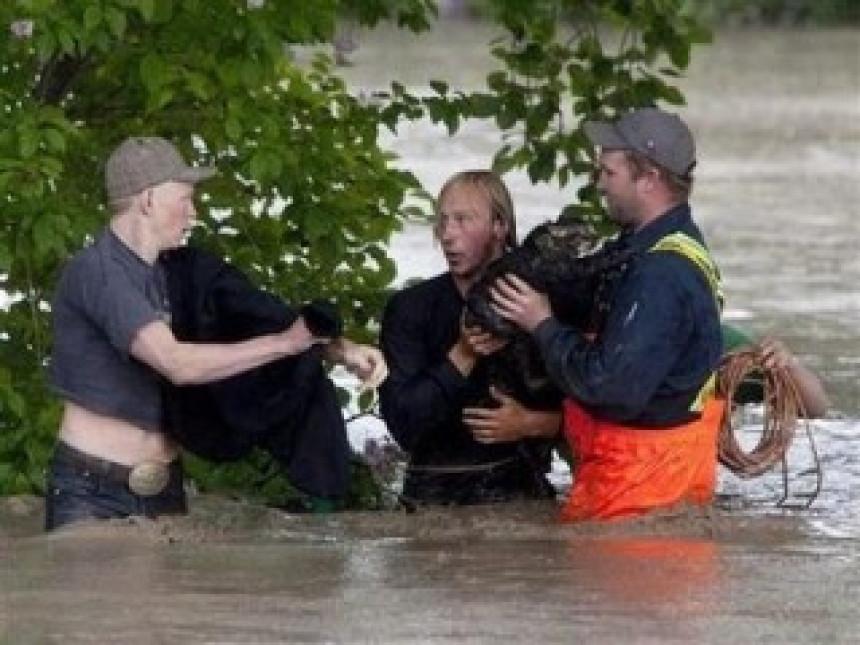 Tri žrtve poplava u Kanadi
