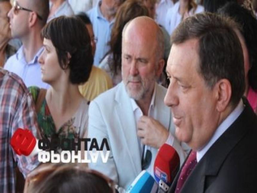 Srpska je na prvom mjestu, a ne kumovi i tajkuni poručuju Dodiku iz Beograda