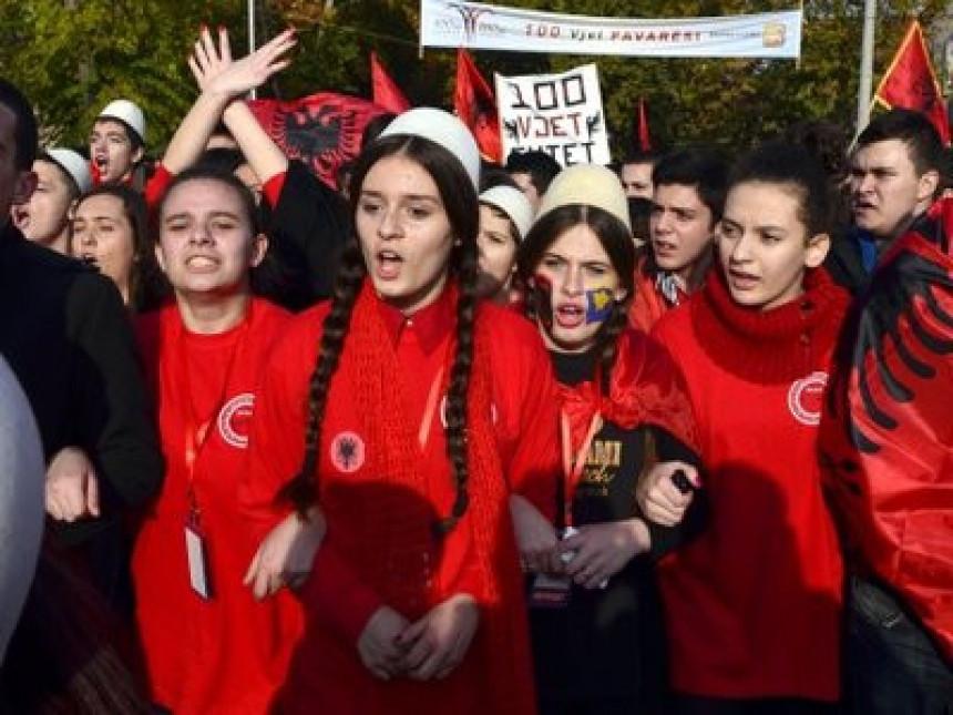 Udaju facebook za albanke SRBI KUPUJU