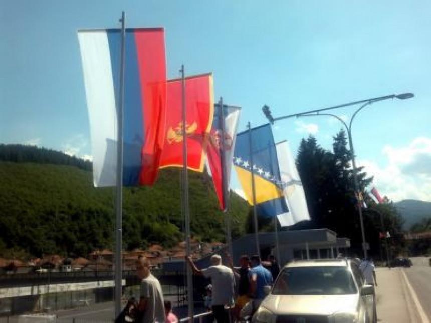 Sandžak: Zastava Srpske među državnim zastavama