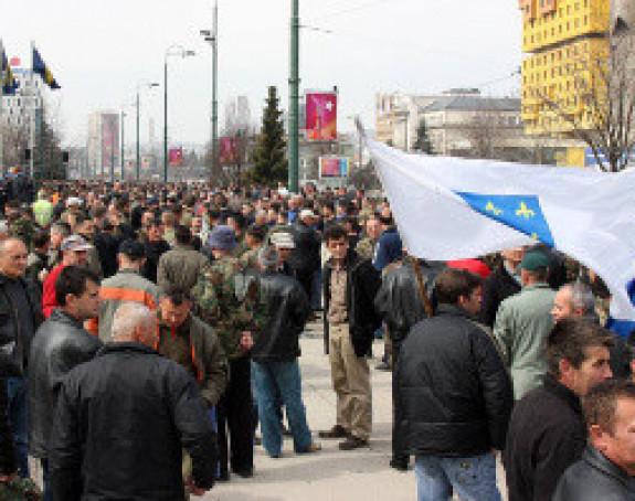 Vojnici prekinuli protest