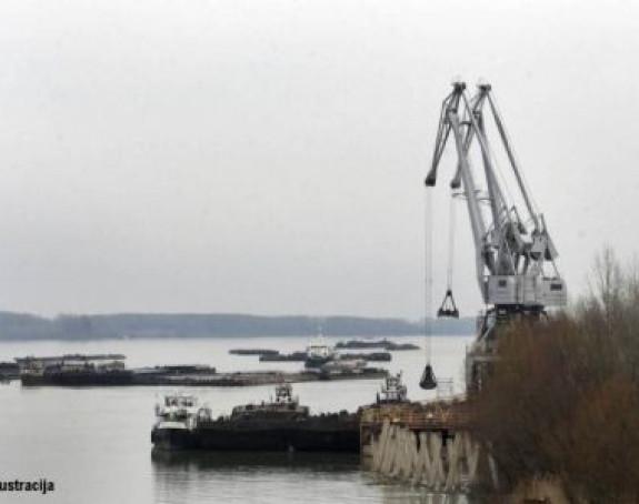 Gusari haraju: Napali i opljačkali hrvatski brod kod Obrenovca!