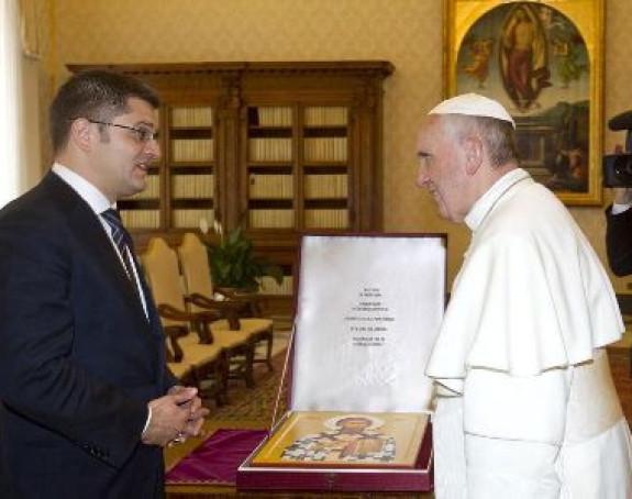Jeremić poklonio papi ikonu