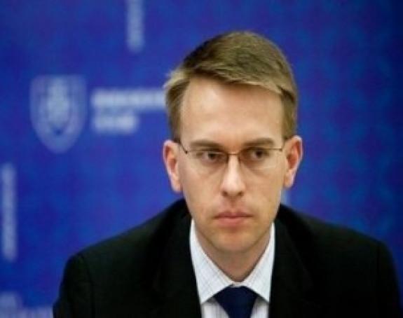 Стано: Нетачно да је Брисел тражио оставку Ðукановића