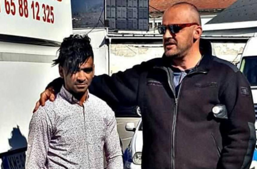 Migrant zakačen za autobus došao u Višegradu