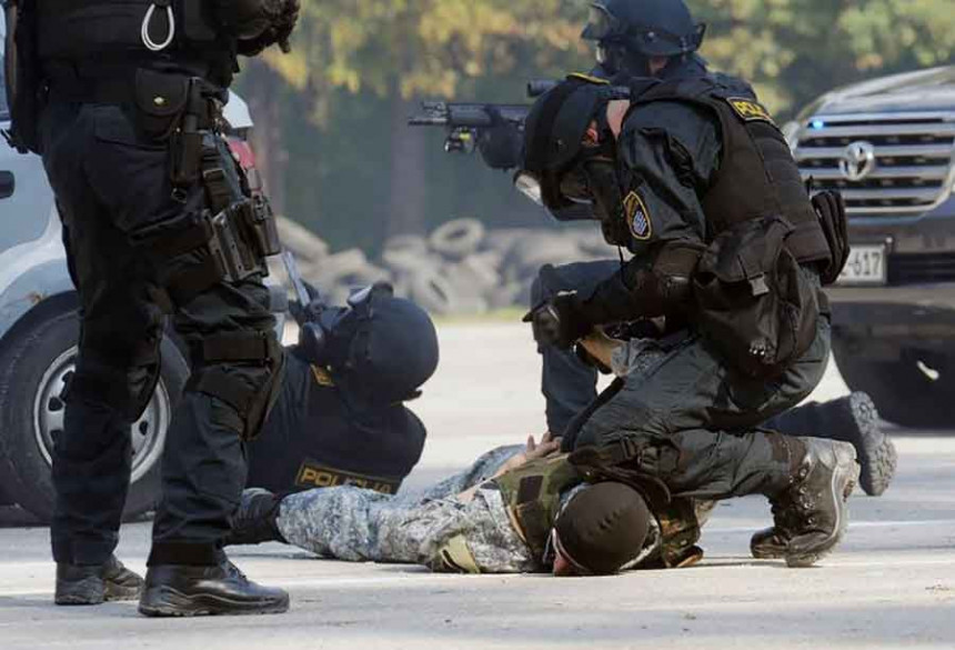 U Hercegovini pretresi, tri osobe uhapšene