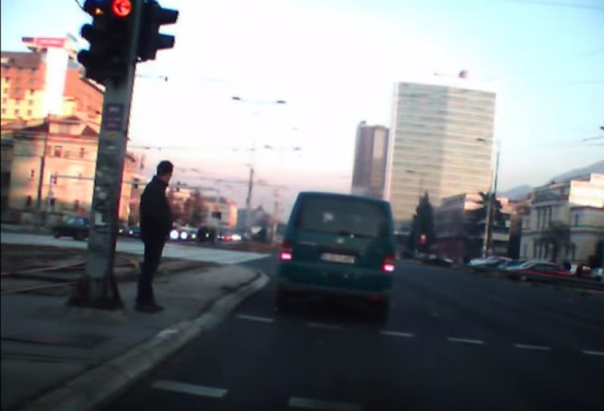 Evo kako se ugrožava saobraćaj
