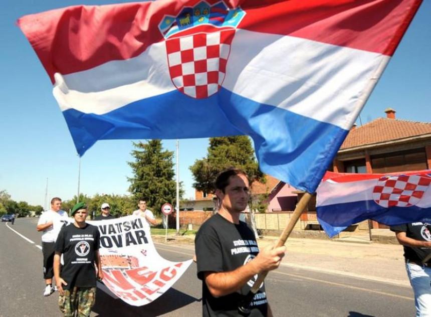Mladić statusom ''zapalio'' region
