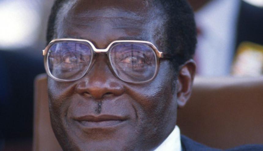Mugabe pristao da se povuče