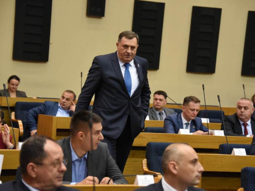 Skupština raspravlja o lažnom NATO dokumentu - original već odavno stigao u Brisel?!