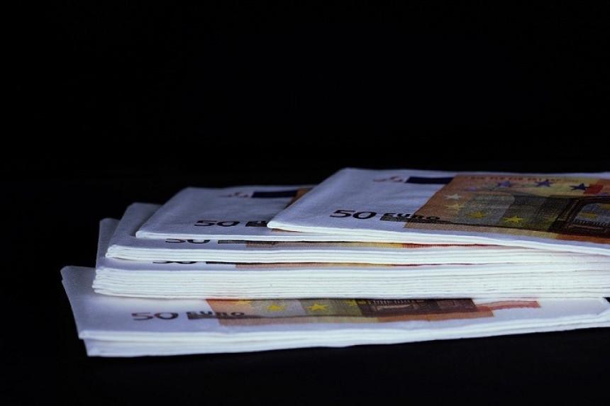 Prolaznik našao i vratio torbu sa 16 hiljada evra