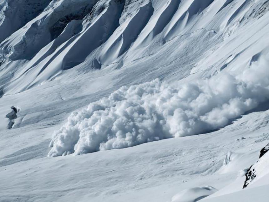 Tri lavine u jednom danu na Alpima