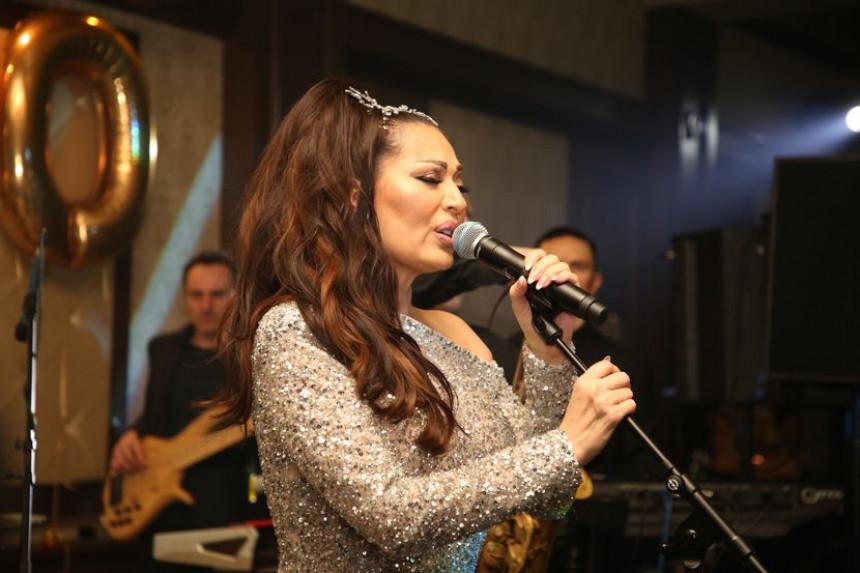 Ceca  Beogrđane oduševila novogodišnjim nastupom a večeras je u Budvi!