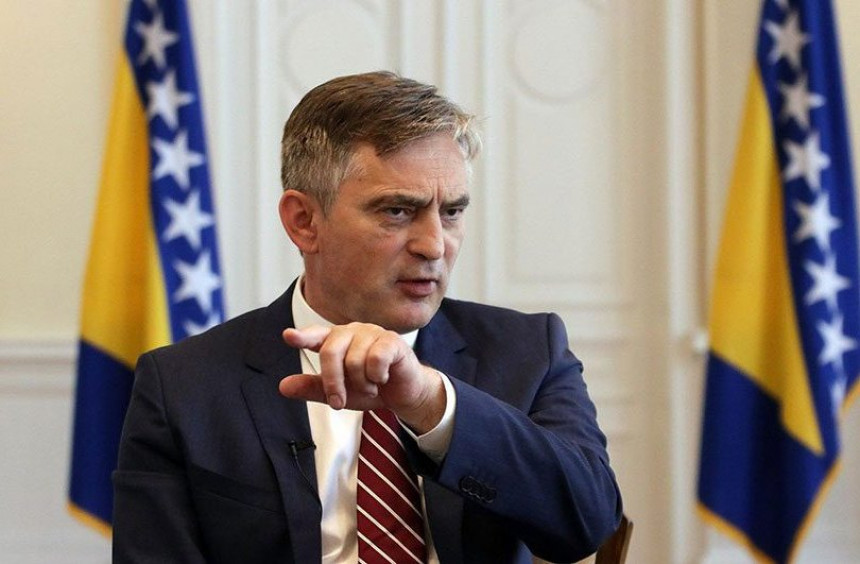 Komšić čestitao i zatražio bolju saradnju sa HR