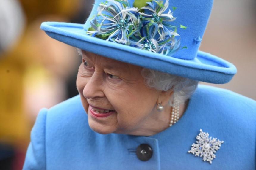 Kraljica prvi put u javnosti nakon skandala