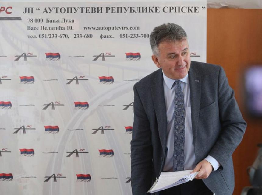 Vlada promijenila statut firme zbog putnih troškova