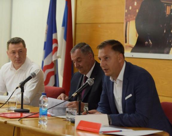 Višković otkrio: Priča se sa Mićićem, ali i sa Markovićem