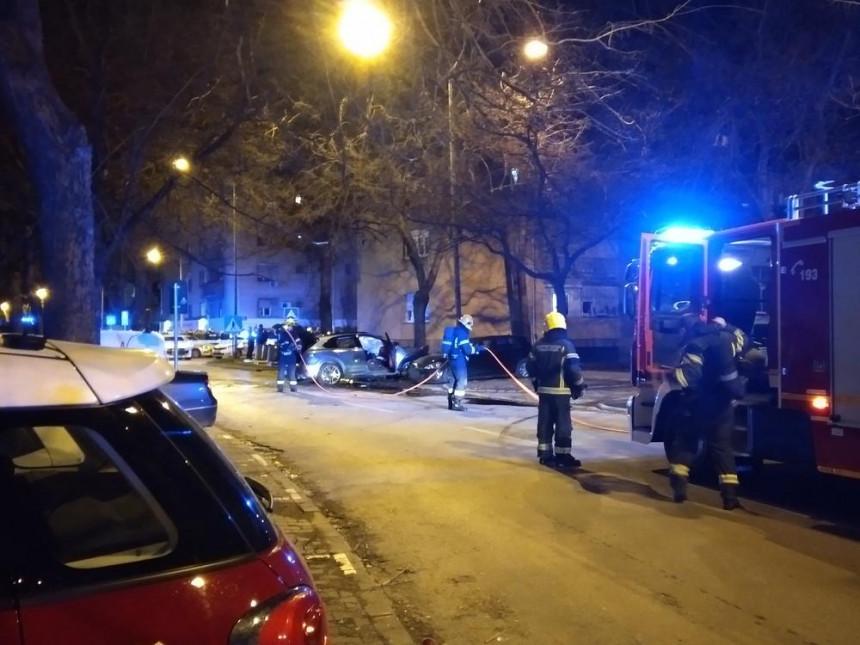 Raznet auto u kom je bio Slobodan Milutinović Snajper!