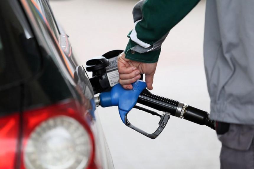 Pad cijena u RS: Gorivo jeftinije i do 0,15 KM po litru