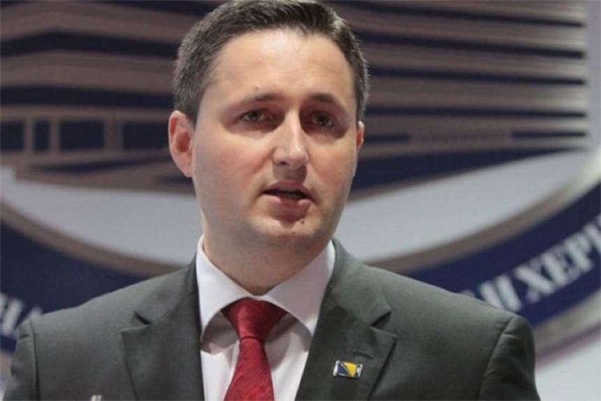 Bećirović traži da se u dnevni red uvrsti tačka o Dodiku