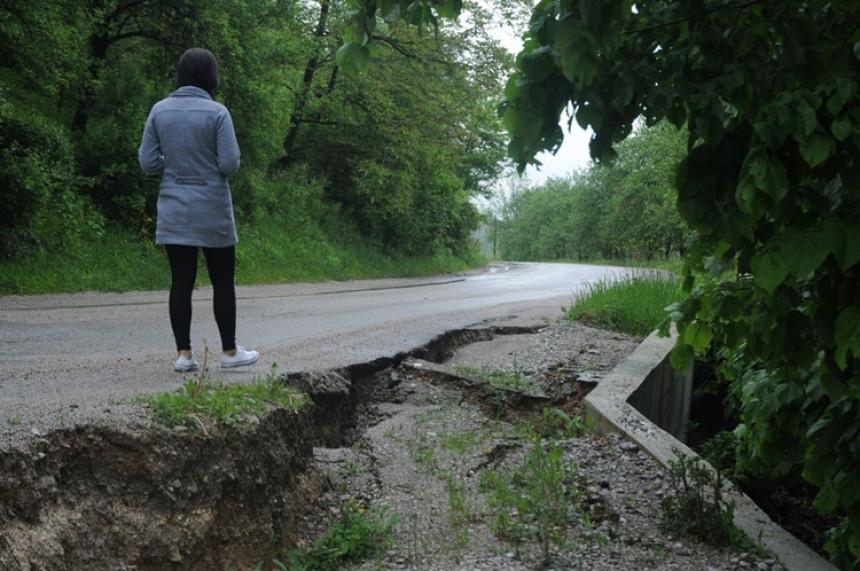 Mještani Čokorskih Polja traže bolje saobraćajnice