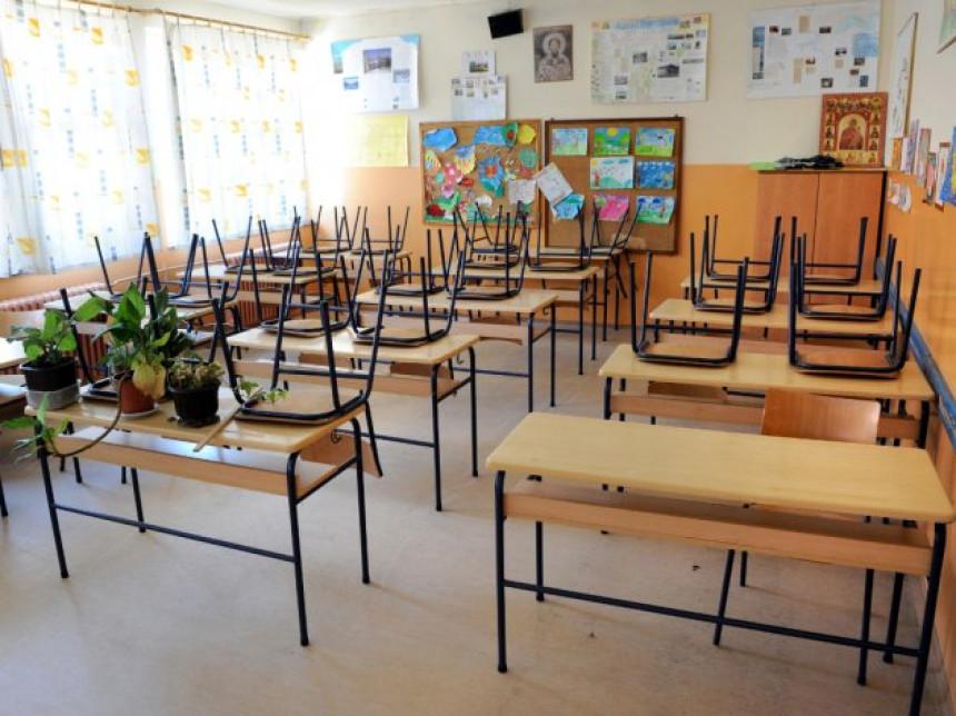 Za pet godina Republika Srpska ostala bez 33 škole, a 50.000 maloljetnika na socijali