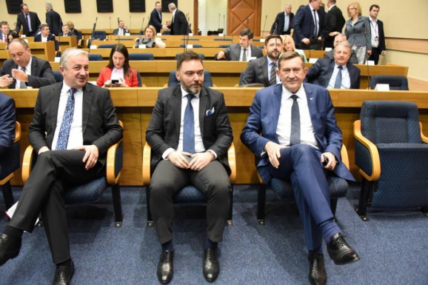 Borenović: Veliki uticaj na Ustavni sud BiH ima SDA