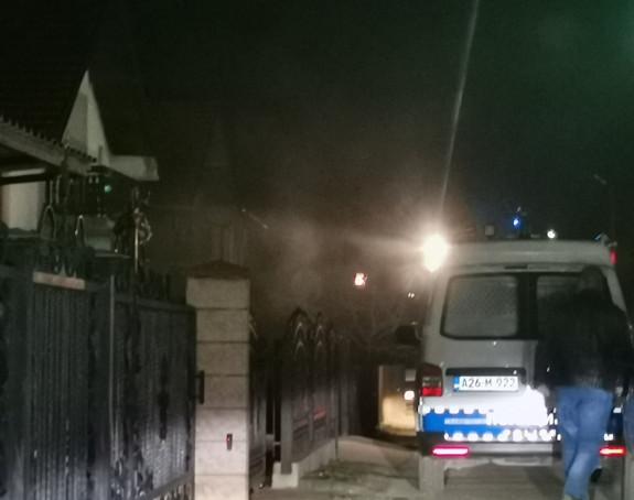 Bijeljina: Izbio požar na kući, vatrogasci na terenu