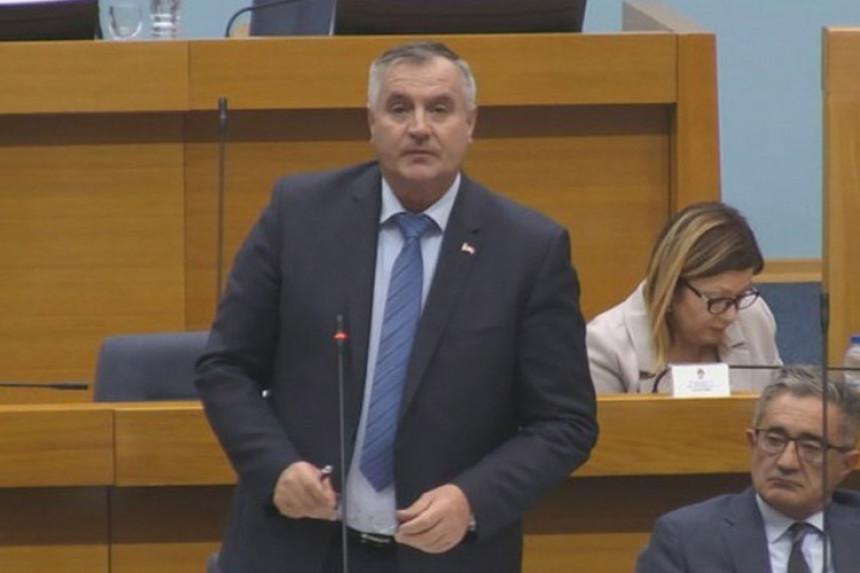 Trebinjac dobio prijavu zbog slanja poruke Viškoviću