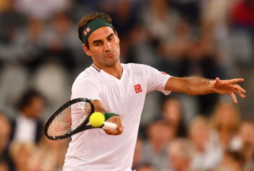 Rodžer Federer izenada operisao desno koljeno