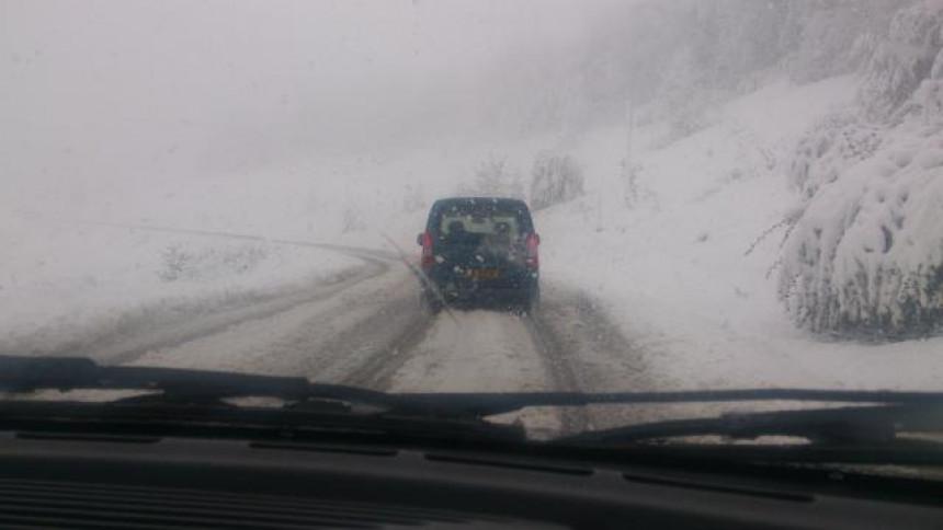 Snježni nanosi preko Rogoja i prema Kalinoviku