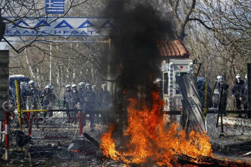 Sukobi grčke policije i migranata na granici sa Turskom