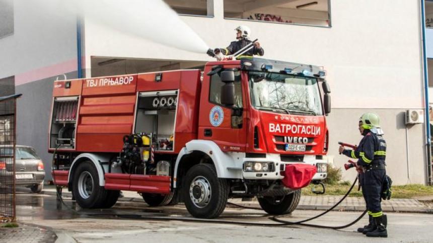 Ватрогасци угасили пожар на ауту у Зворнику