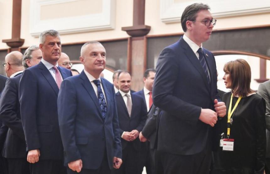 Aleksandar Vučić i Hašim Tači sastali se u Bijeloj kući